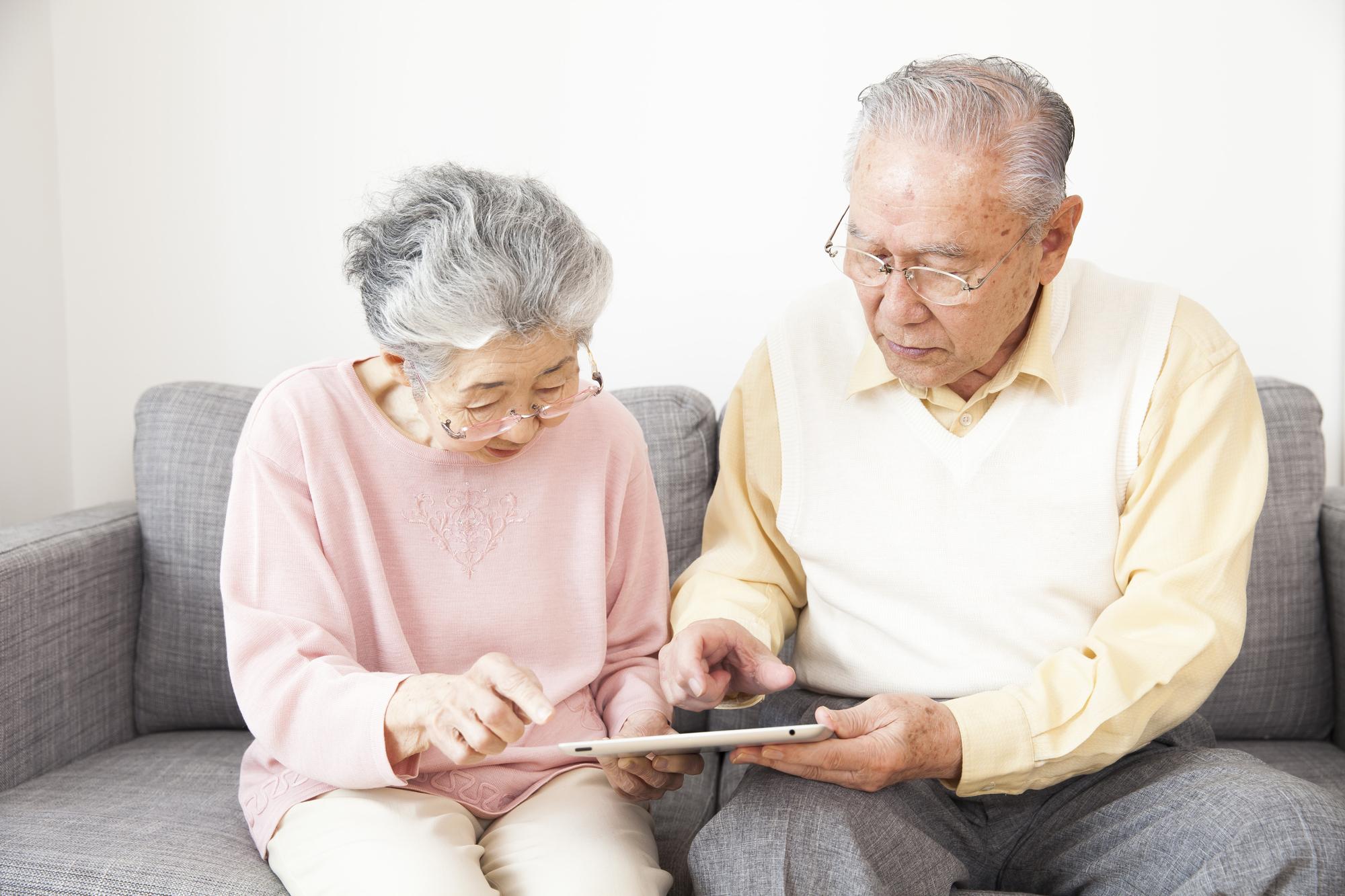 高齢者が使うスマホやタブレットは・・・