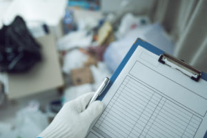 高齢化社会では亡くなった後のゴミ屋敷整理も急増中