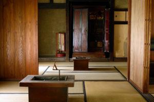 仏壇の普及は家屋構造の変化から