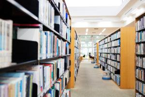 遺品の本を図書館に寄付