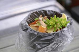 生ごみなど食品の処分はどうすればいい?