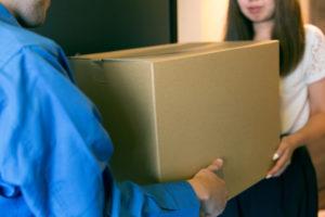 宅配便で遺品を送る
