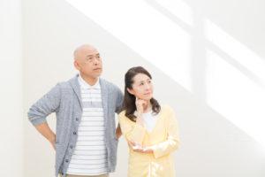 生前葬のデメリットに悩む夫婦