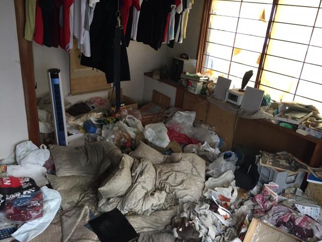 ゴミ屋敷になる心の病気の原因とは