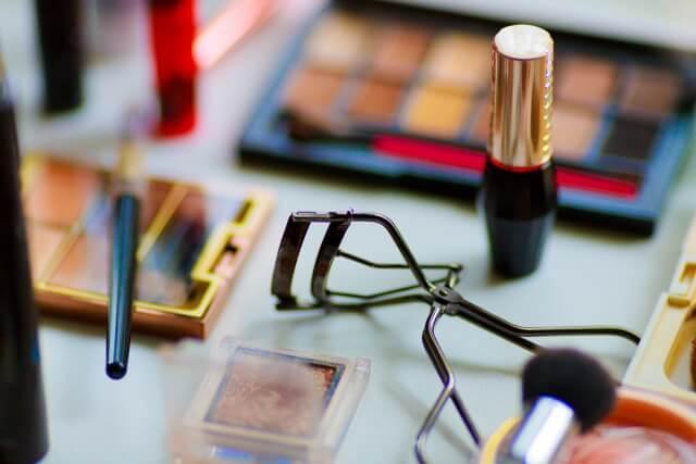 化粧品の処分方法や捨て方を解説します