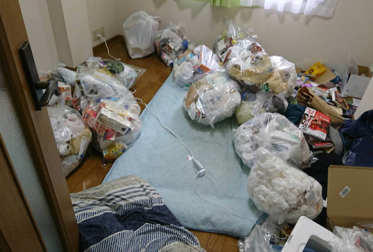 江戸川区AW様のゴミ屋敷清掃事例