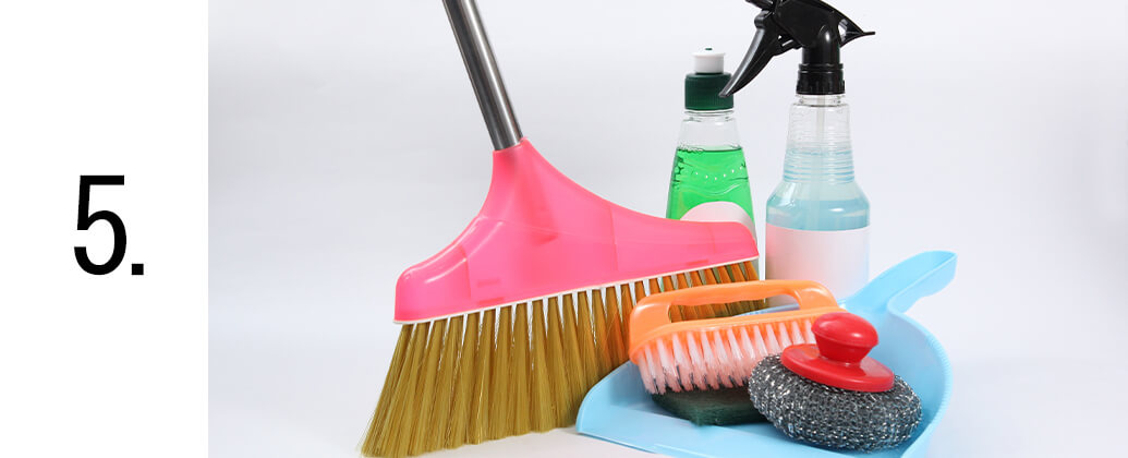 引っ越しに伴う回収後の掃除