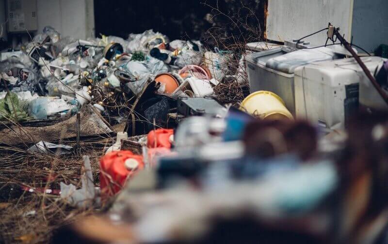 ゴミ屋敷が引き起こす火災のリスク・・・早めの対策で安心の暮らしを
