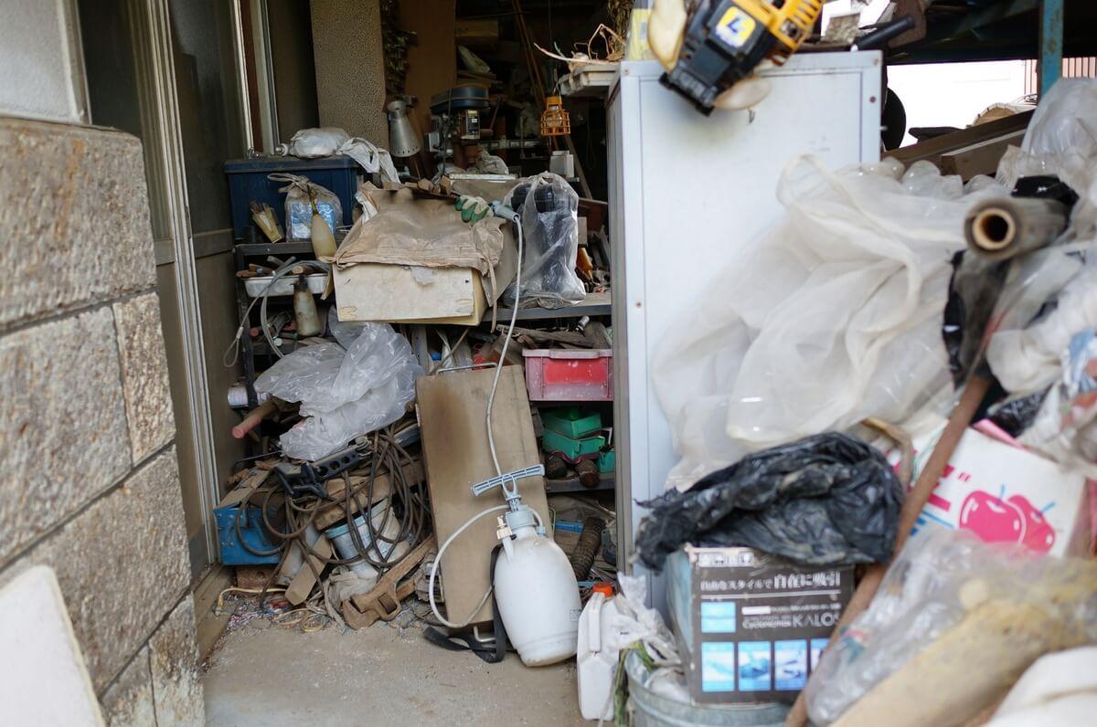 法律でゴミ屋敷を規制できない理由
