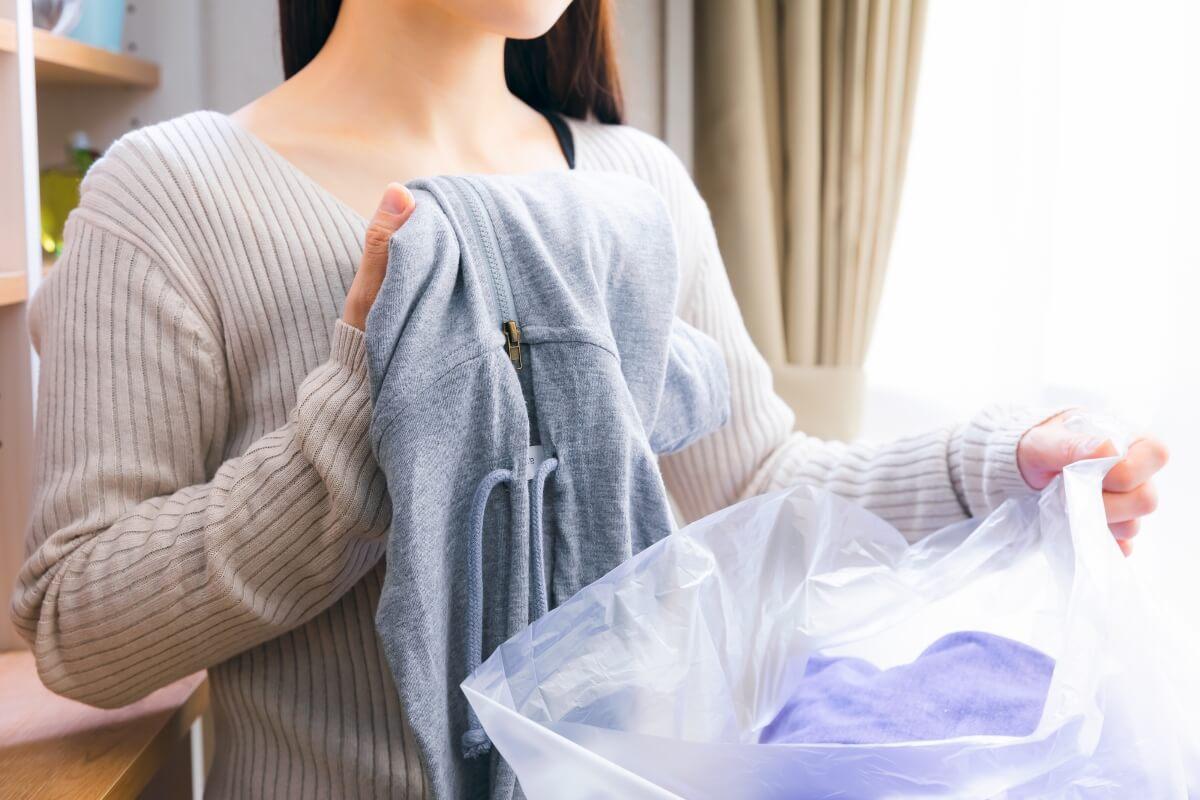 ゴミ屋敷掃除のコツを身に着けた女性