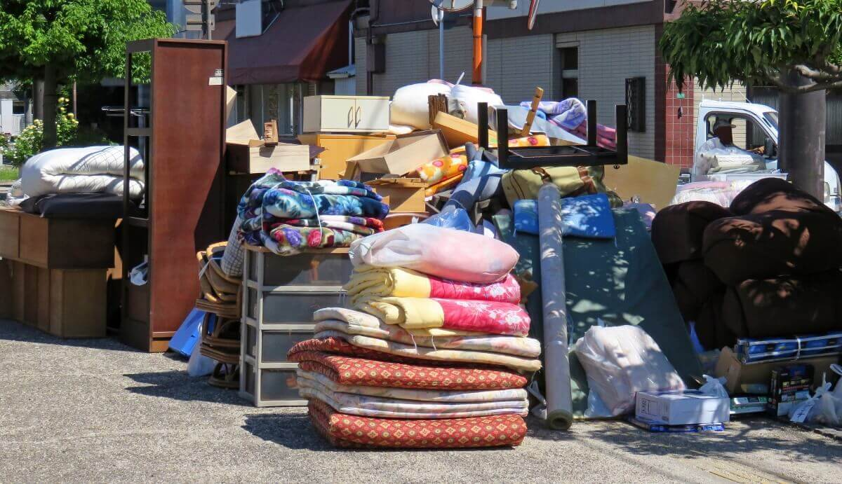 静岡県浜松市での布団の捨て方は?羽毛布団についてはリサイクルも可能