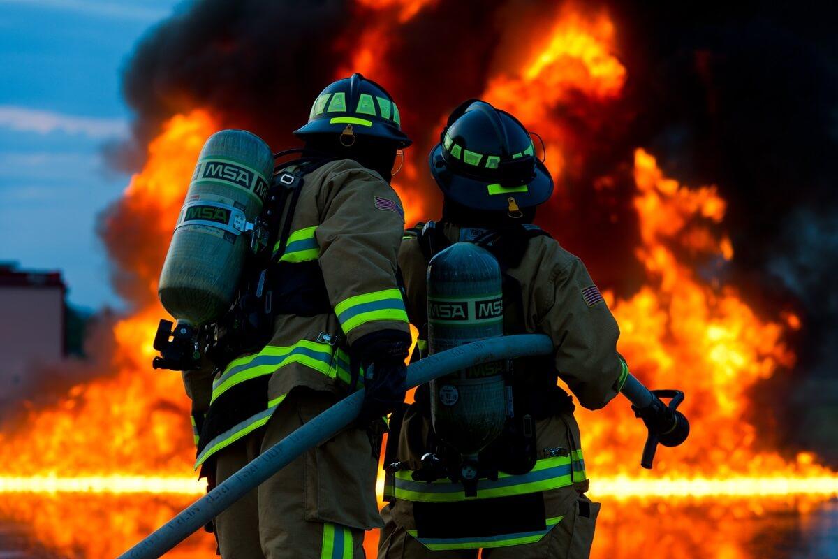電池の捨て方は間違えると火災の原因にも
