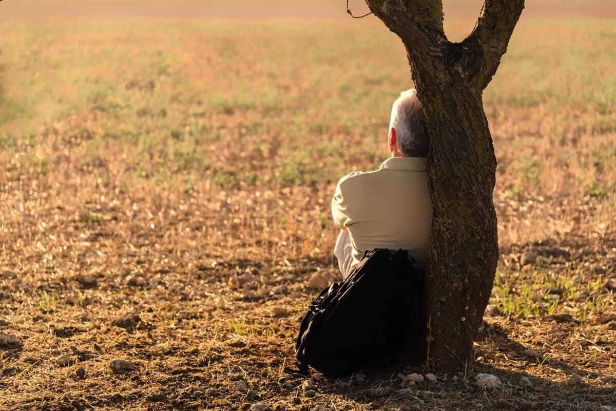 親の住まいがゴミ屋敷となる原因②孤独感