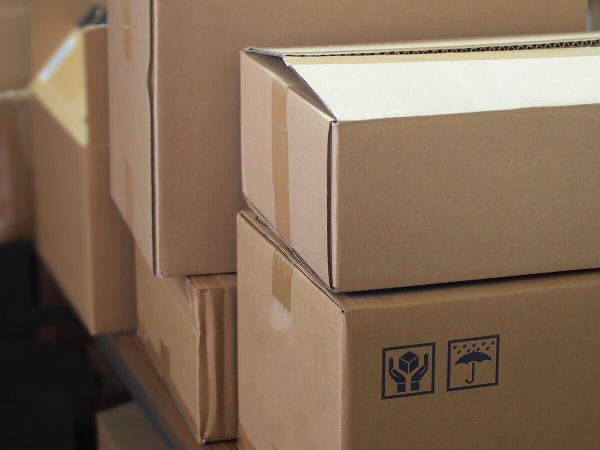 不用品の処分方法④引っ越し業者に引き取りを依頼する